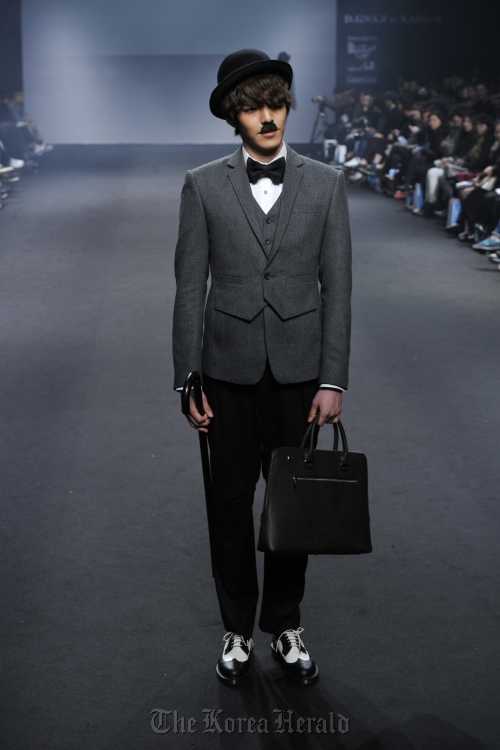 D.GNAK by KANG. D's 2012 FW collection (Seoul Fashion Week)