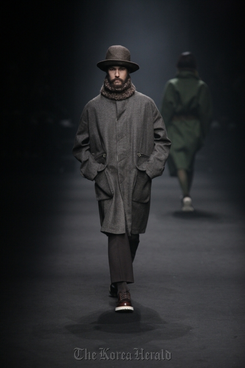 ROLIAT's 2012 FW collection (Seoul Fashion Week)