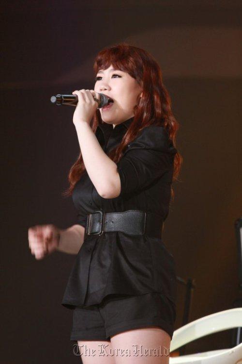 "Park Ji-min, winner of ""K-Pop Star."" (Screen capture from SBS)"