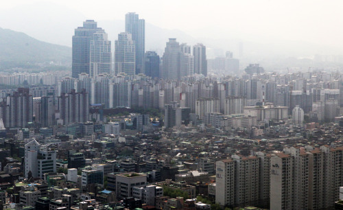 Real estate in Seoul's Gangnam, one of the most expensive property areas in the country. (Yonhap News)