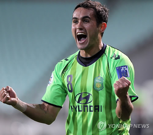 Jeonbuk Hyundai Motors' Eninho recently had the KOC recommend against his application for special naturalization. (Yonhap News)
