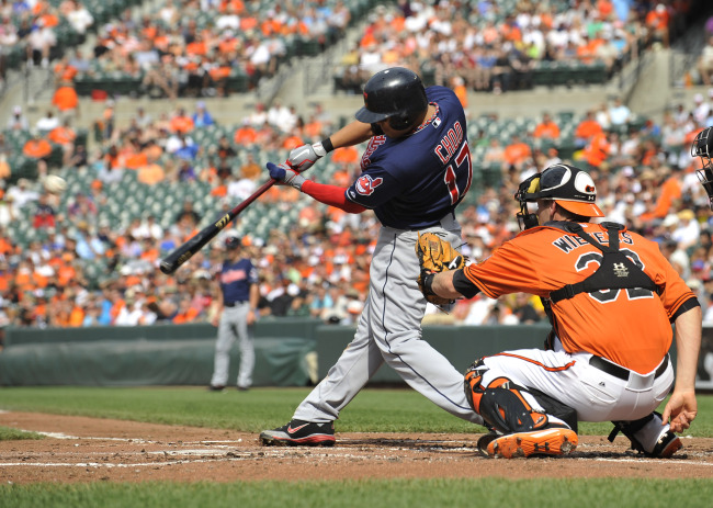Cleveland Indians right fielder Choo Shin-soo connects for a home run in the second inning. (AP-Yonhap News)