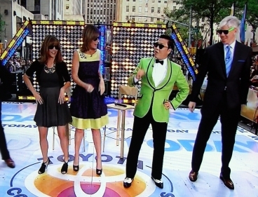 Korean singer Psy appears on a U.S. television program on Friday. (Yonhap)