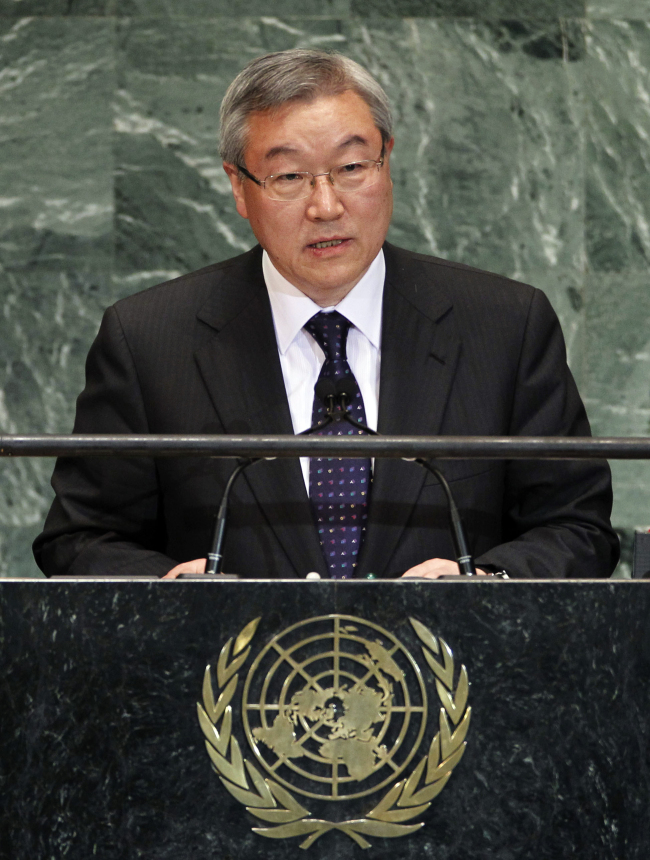 Kim Sung-hwan, Foreign Minister of Korea, addresses the 67th session of the United Nations General Assembly at U.N. headquarters, Friday. (AP-Yonhap)