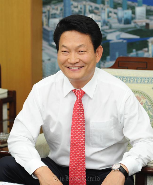 Incheon Mayor Song Young-gil
