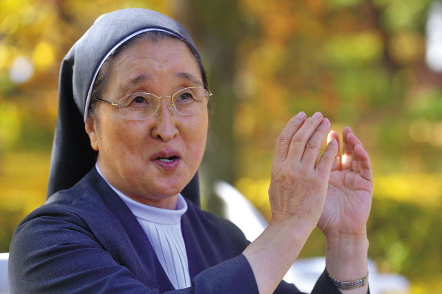 Ro You-ja, director of St. Paul's Home Hospice Center (Lee Sang-sub/The Korea Herald)
