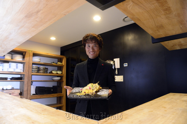 Oh Chung at his restaurant in Seoul (Park Hae-mook/The Korea Herald)