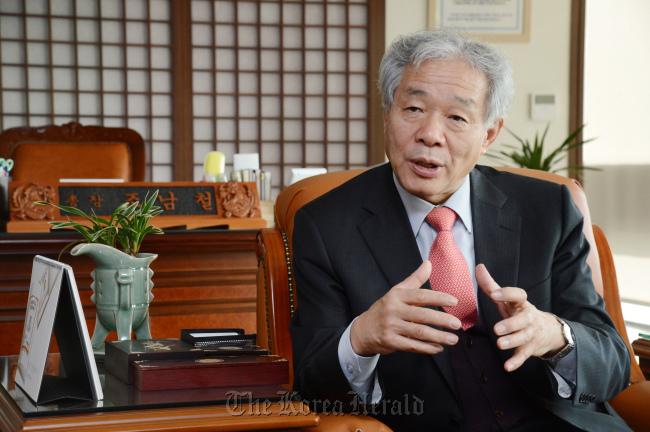 Cho Nam-chul, the president of the KNOU. (Chung Hee-cho/The Korea Herald)