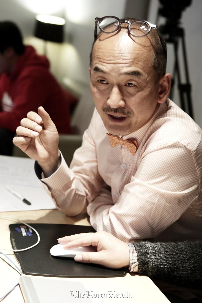 Filmmaker Lee Jun-ik. ( Megaphone)