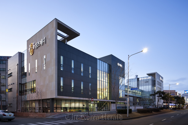 A hospital in Suwon remodeled by DLIM. (DLIM)