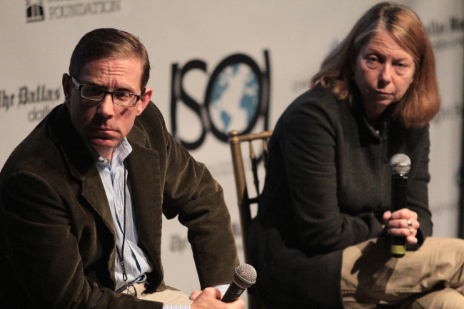 Evan Smith, editor-in-chief and CEO of The Texas Tribune, and executive editor of The New York Times Jill Abramson take part at the 14th annual International Symposium on Online Journalism on Saturday. (Beth Cortez-Neavel/The Knight Center)
