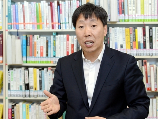 Na Byung-joon, director of Dongademun-gu Digital Public Library (Ahn Hoon/The Korea Herald)