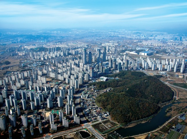 LH-developed apartment complexes in Dongtan, Gyeonggi Province. (LH Corp.)