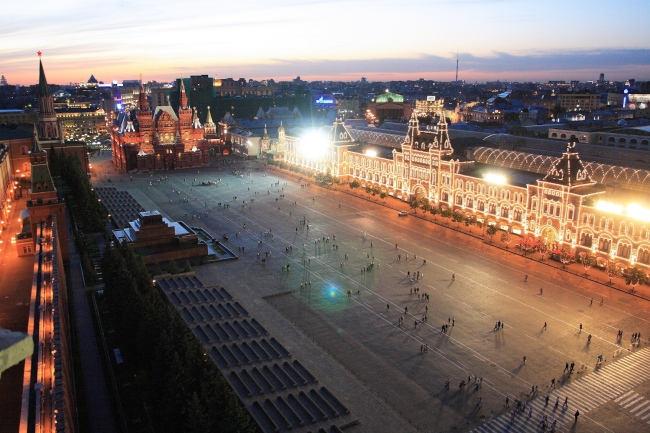 This 2007 handout picture shows the GUM shopping mall at Red Square in Moscow. (AFP-Yonhap News)