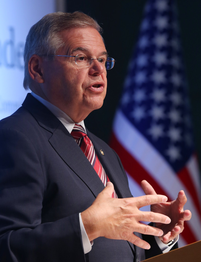 Robert Menendez, chairman of the U.S. Senate Foreign Relations Committee, delivers a speech at the Asan Institute for Policy Studies in downtown Seoul on Monday. (Yonhap News)