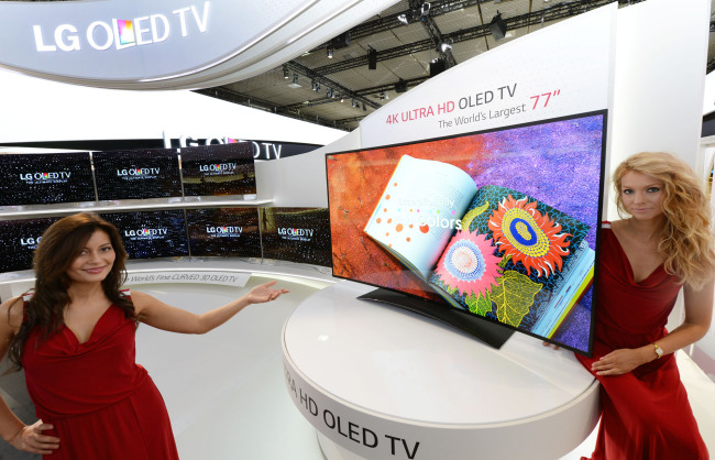 World's largest 77-inch Ultra HD curved OLED TV from LG Electronics (LGE)