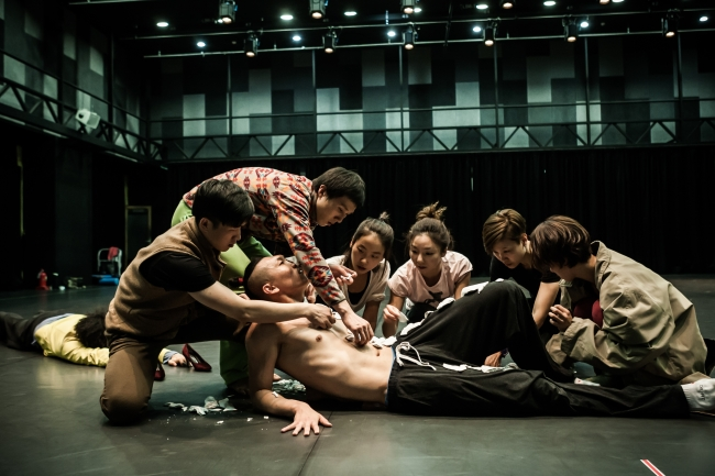 """Into Thin Air"" by Israeli choreographer Idit Herman and Korea National Contemporary Dance Company. (KNCDC)"