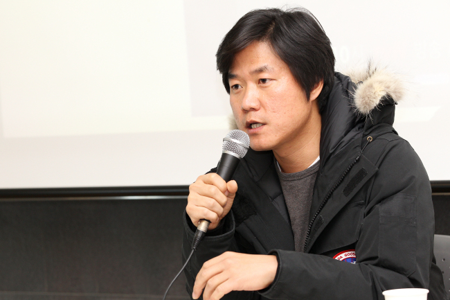 Producer Na Young-suk talks at a press conference in Sinchon, Seoul, Tuesday. (CJ E&M)