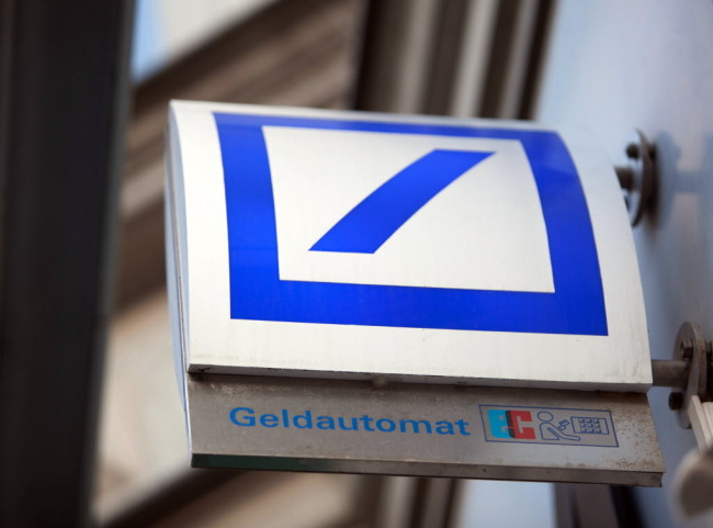 deutsche bank says will pay in u s mortgage case. Black Bedroom Furniture Sets. Home Design Ideas