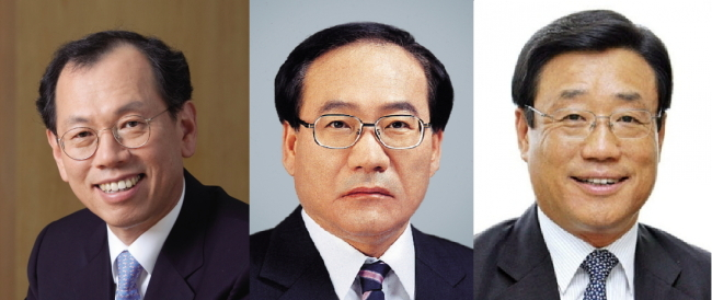 (from left) POSCO Educational Foundation chairman Park Han-yong, POSCO E&C vice chairman Chung Dong-hwa, KOTRA CEO Oh Young-ho