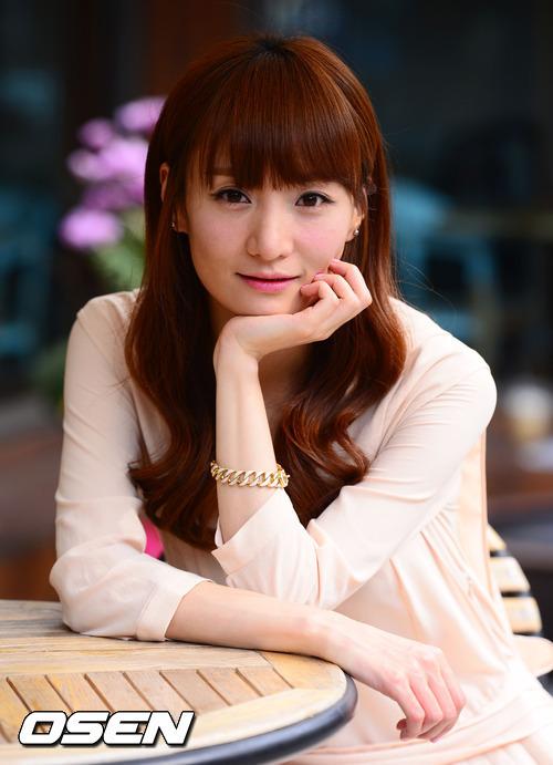 Jo Eun-ji nude 439