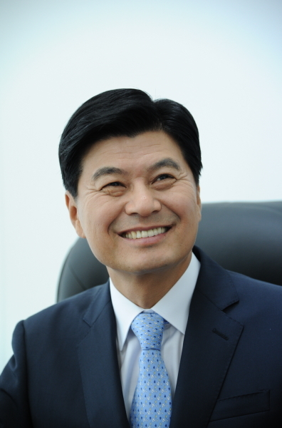Lee Choon-hee, a former chief of the Multifunctional Administrative City Construction Agency, supervised the planning of Sejong City.