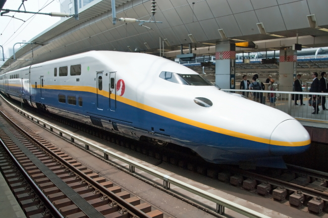 Japan's Shinkansen bullet train (123rf)