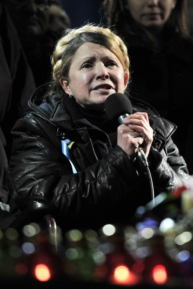 Newly freed Ukrainian opposition icon and former prime minister Yulia Tymoshenko delivers a speech on Kiev's Independance square on February 22, 2014, after her release. (AFP)