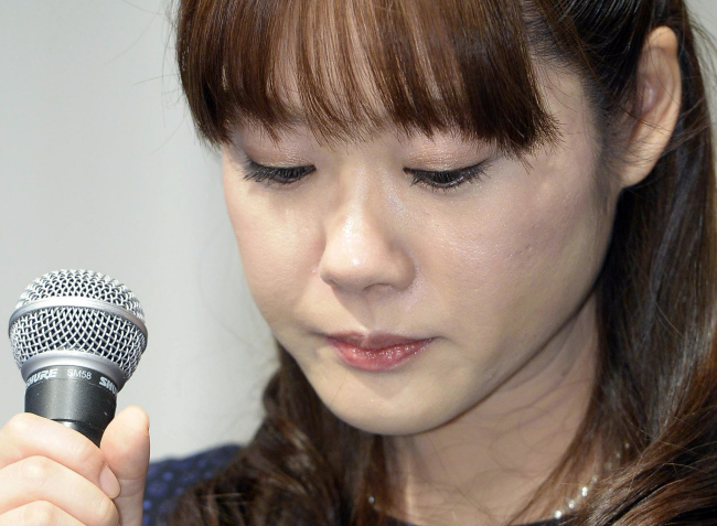 Haruko Obokata takes part in a press conference in Osaka on Wednesday. (AP-Yonhap)
