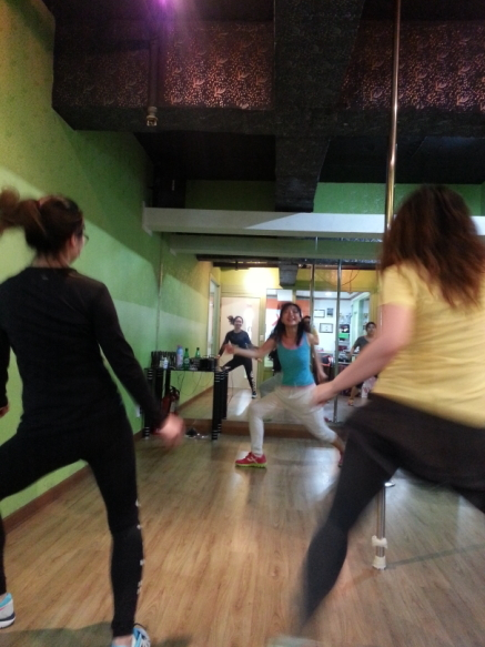 Students dance to a Latin beat with Zumba instructor Jacey Joo (center) of JK Dance Studio in Hapjeong-dong, Seoul. (JK Dance Studio)
