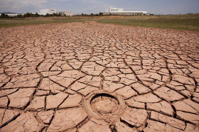 The dry Maria Cristina reservoir in Spain (EPA-Yonhap)