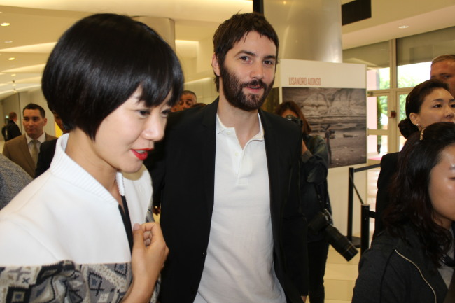jim sturgess doona bae dating In 2014 it was revealed that sturgess was dating cloud atlas co-star bae doona ↑ bae doo na and her british boyfriend jim sturgess p373}}|jim sturgess]].