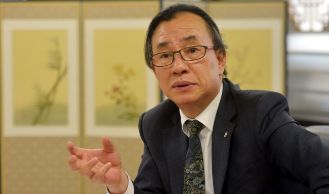 Byun Choo-suk, president of the Korea Tourism Organization, speaks about ways to promote Korea's tourism during an interview with The Korea Herald on June 5 at his office in Seoul. ( Kim Myung-sub/The Korea Herald)