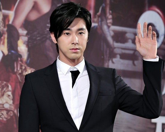 "jung yunho dating 2014 Tvxq's yunho has revealed the struggles on dating with a non-celebrity on last night's mnet's beatle code 2 the star revealed the struggles of dating a non- celebrity for the first time on last night's airing on beatle code 2 ""i dated after debut i fought a lot with her back then"" he said yunho, who denied he."