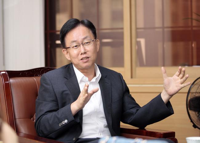 Korea Post president Kim Joon-ho (Korea Post)