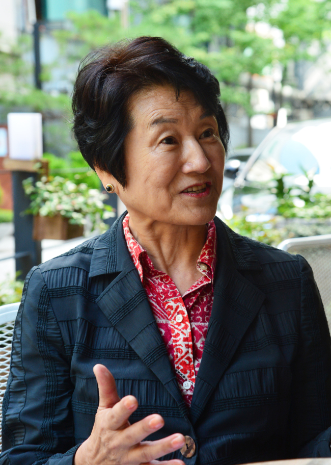 Author Daisy Lee Yang speaks during an interview with The Korea Herald at a cafe in Gwanghwamun, Seoul. (Yoon Byung-chan/The Korea Herald)