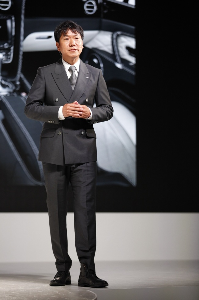 Lee Sang-yup, Bentley Motors' head of exterior and advanced design, speaks during a launching event for the Flying Spur V8 held at Banyan Tree Club & Spa Seoul on Sept. 18. (Bentley Korea)