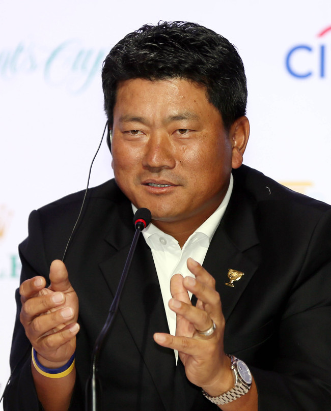 Korea's Choi Kyung-ju takes part in a press conference on Wednesday. (Yonhap)