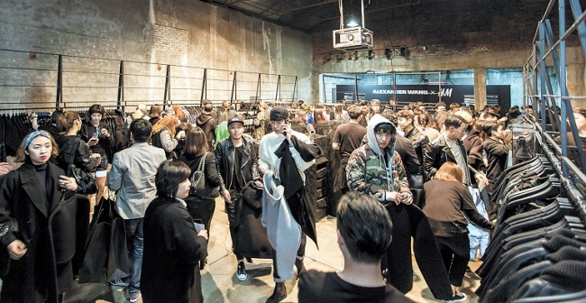 """A launching party for the """"Alexander Wang x H&M"""" collection was held at an old factory site in eastern Seoul on Nov. 4 to celebrate the 10th anniversary of H&M's collaborations."""