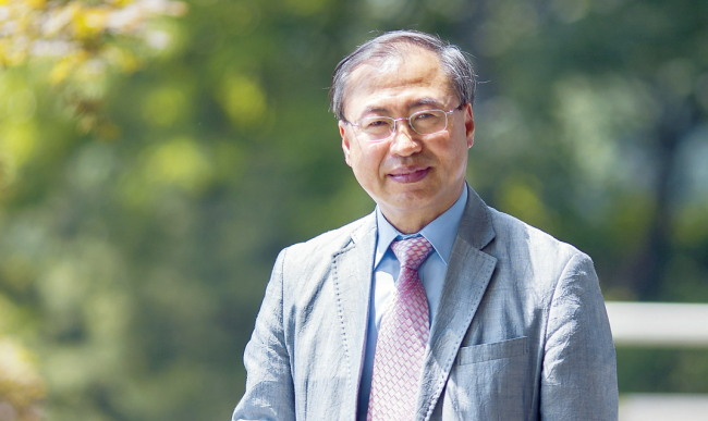 Choi Byong-hyon, a professor of English literature, charts a new course in the translation of Korean classics.