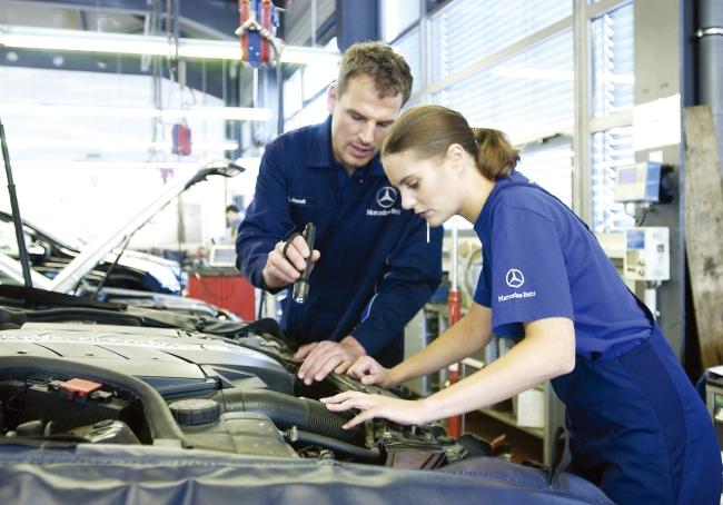 Mercedes benz ramps upcollision repair program for Mercedes benz certified mechanic