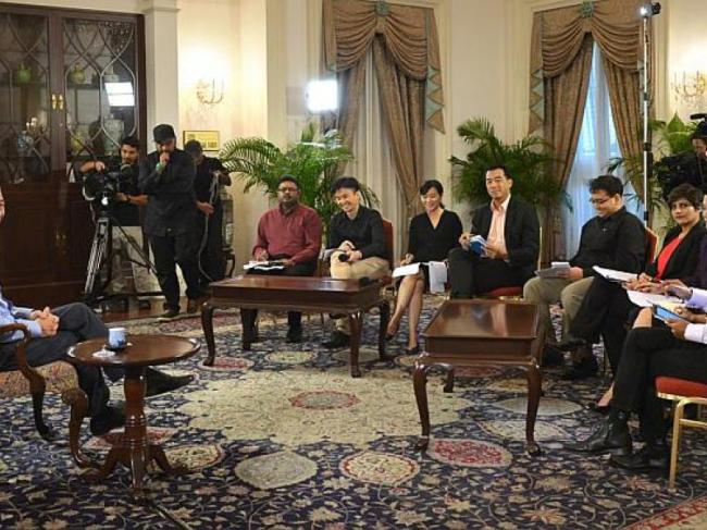 Prime Minister Lee Hsien Loong (left) during an interview with Singapore media at the Istana on Jan. 14. (The Straits Times)