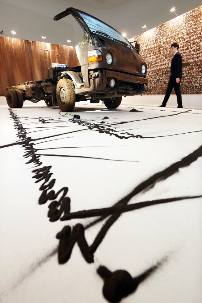 An installation view of artist Kim Jong-ku's artistic rendition of the Hyundai Porter pickup truck. (Hyundai Motor Co.)