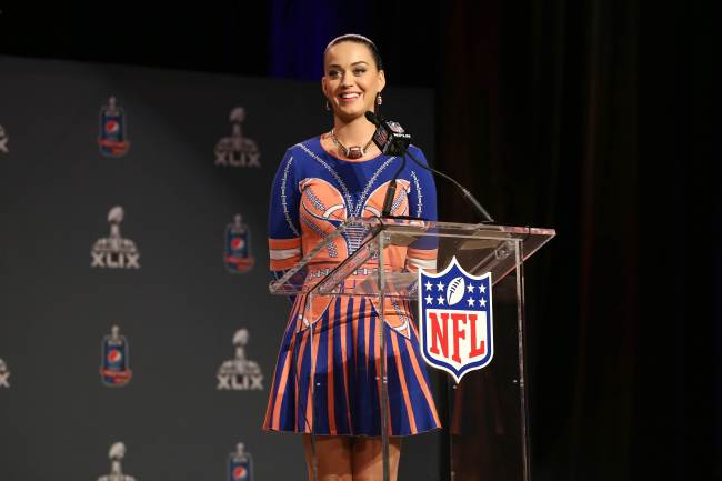 Katy Perry speaks during the Pepsi Super Bowl press conference in Phoenix, Arizona, Thursday. (AFP-Yonhap)