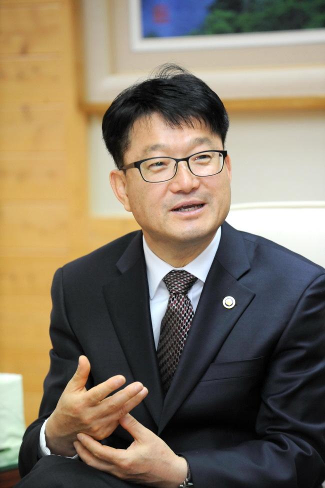 KFS Minister Shin Won-sop. (KFS)