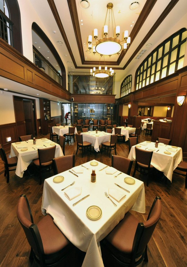 The first South Korean restaurant of Wolgang's Steakhouse is a two-level unit with around 200 seats. (Wolfgang's Steakhouse Korea)