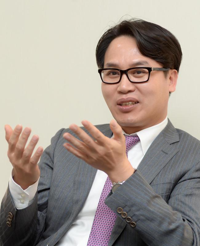 Lee Jong-ho, director of Mundipharma Korea, says more Koreans should have access to opioid painkillers. (Mundipharma)