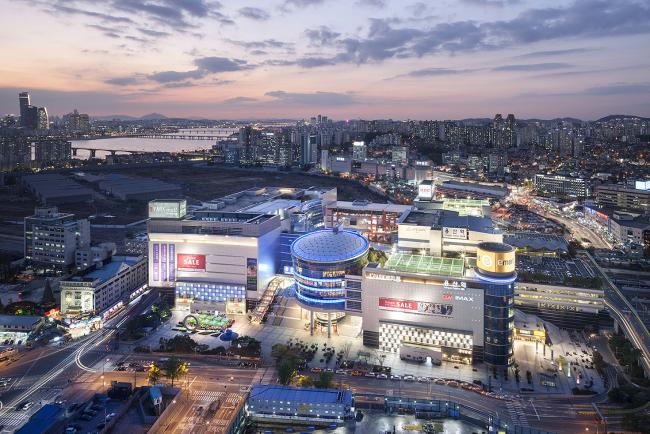 Seoul I'Park Mall in Yongsan, central Seoul. (Hyundai Development)