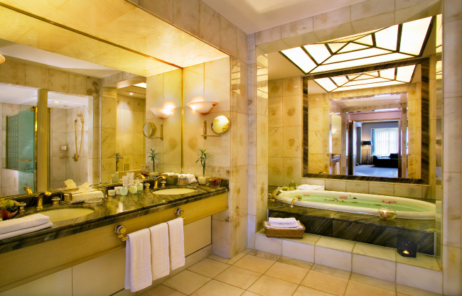 Diamond suite at Sheraton Grande Walkerhill (Sheraton Grande Walkerhill)