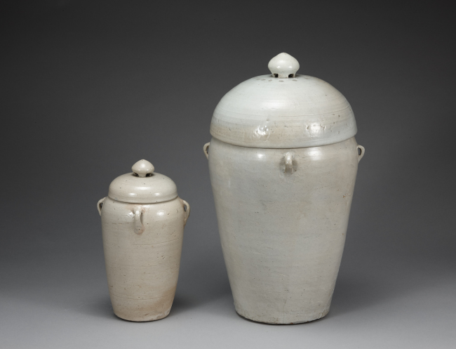 Placenta jars, 1481, Joseon. (Ewha Womans University Museum)